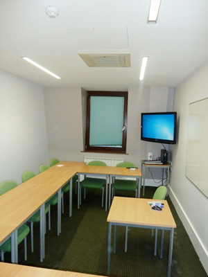 Air Con Installed in to a University Tutorial Room
